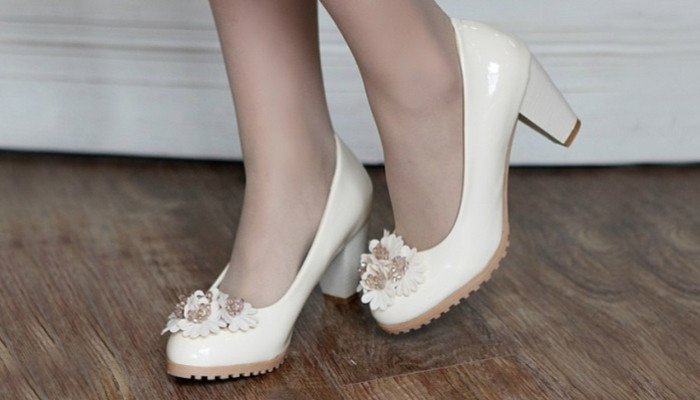 nice white shoes low heels