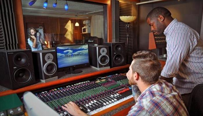 how to become a music production manager in the us