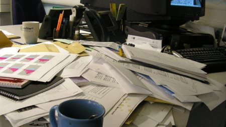 Why A Messy Desk Means You Re A Genius