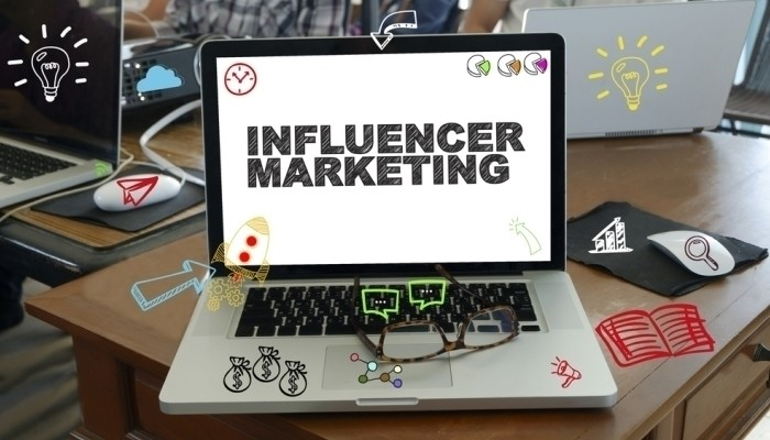 influencer marketing laptop