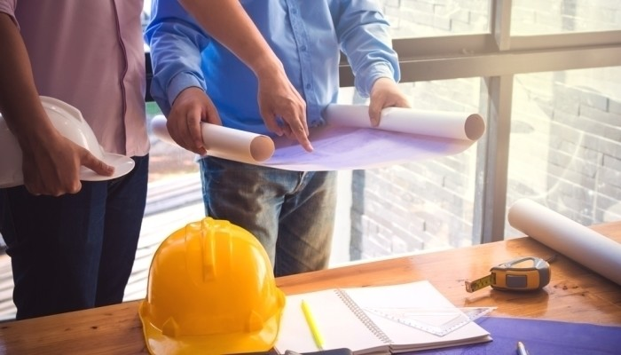 how to become a construction manager (career path)