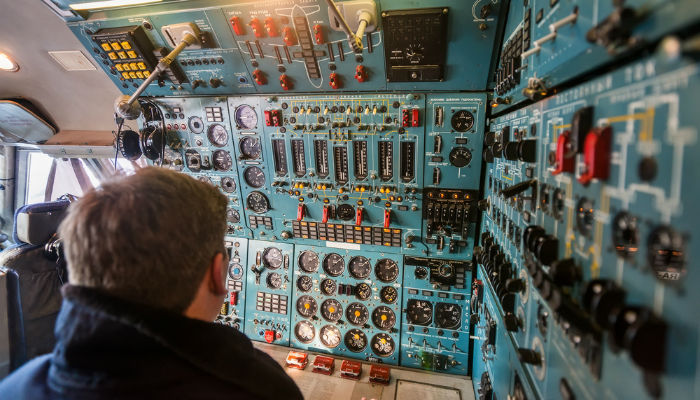 How to Become a Flight Engineer (Career Path)