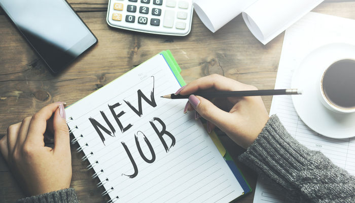How to Change Jobs While You're Employed
