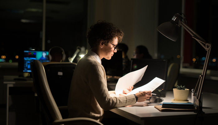 9 Survival Tips for Working the Night Shift