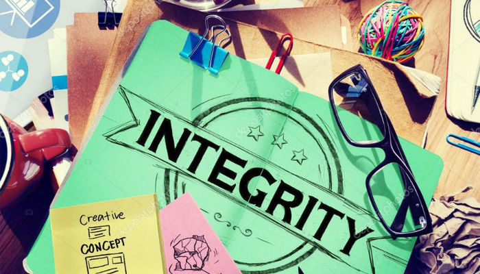 7 relatable examples of integrity in the workplace
